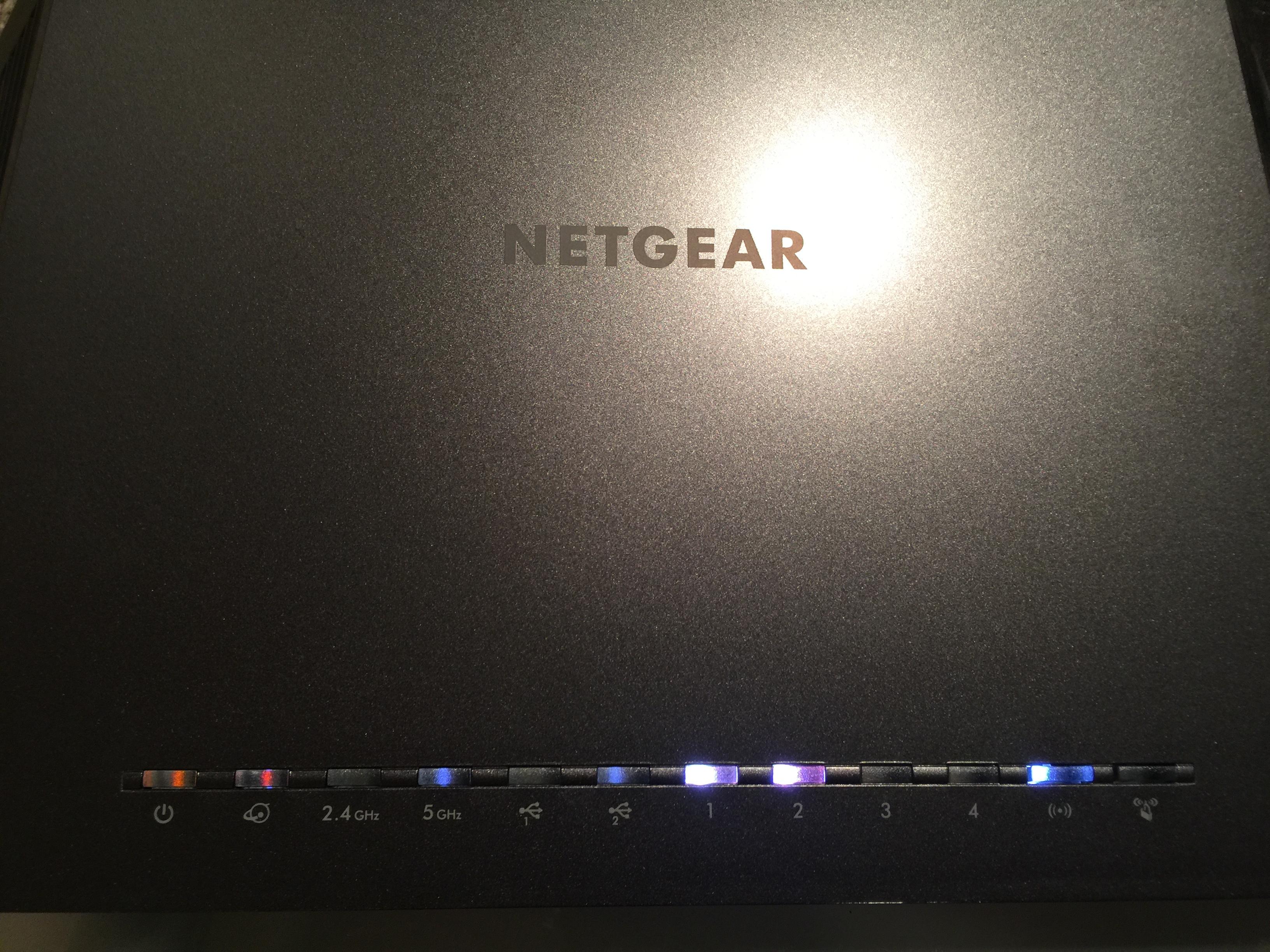 R7000 router not working at all, dim power light - NETGEAR